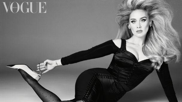 Adele impacta en este vestido con escote prominente para la nueva edición  de Vogue | Puro Show